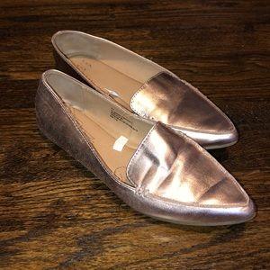 Dressy shoes. Rose gold